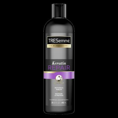 Image de l'avant de la bouteille de TRESemmé® Keratin Repair Shampoo de 592ml
