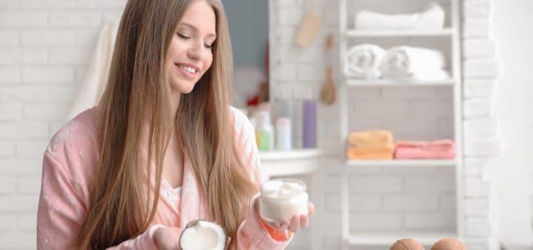 Tak Perlu Ke Salon Ini Tips Mudah Membuat Rambutmu Berkilau