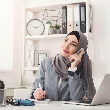 Tips Merawat Rambut bagi Perempuan Hijab Bisa Dilakukan di Rumah!