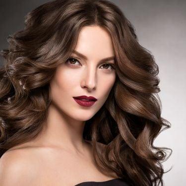 Infografik: 7 Ide Warna Rambut yang Tepat untuk Wanita Karier