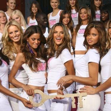 SalonFromHome: Tips Mendapatkan Wavy Hair Ala Model Victoria Secret di Rumah