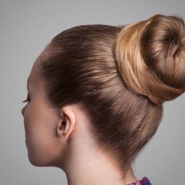Inspirasi Hairdo Bridesmaid yang Bisa Dibuat Dalam Waktu 10 Menit