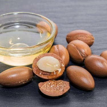 Cara Memanfaatkan Argan Oil untuk Rambut Halus dan Berkilau