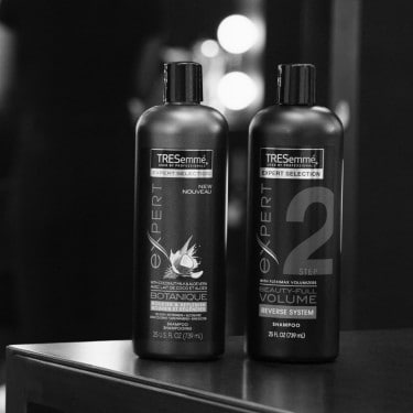 Výber vlasových kúr TRESemmé vrátane vlasových masiek a vlasových olejov.